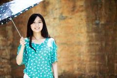 Romantisk flicka för skönhet utomhus Arkivbilder
