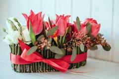 Romantisk lyxig blommaordning Arkivfoton