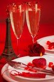 Romantisk matställe i Paris Royaltyfria Foton