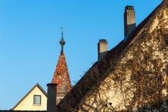 romantisk sikt på det kyrkliga taket Royaltyfri Bild