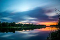 Romantisk sjö och flod Arkivbild