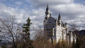 Romantisk slott neuschwanstein i bavaria royaltyfri fotografi