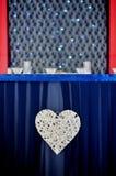 Romantisk tabell för valentin dag Arkivbilder