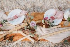 Romantisk tabell som ställer in lantlig stil Arkivbilder