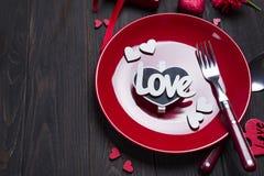 Romantisk tabellinställning för valentindag Royaltyfri Foto