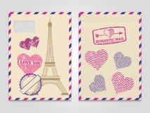 Romantiska kuvert för tappning med Eiffeltorn- och förälskelsestämplar vektor illustrationer