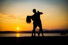 Romantiska parkonturer royaltyfri fotografi
