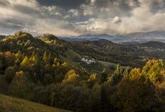Romantiskt landskap i Slovenien Arkivfoton