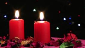 Romantiskt och emotionellt dekorativt överraskningstearinljusljus arkivfilmer