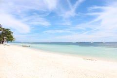 Romantyczna biała piaskowata plaża Obrazy Stock