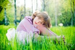 romantyczna dandelion dziewczyna Zdjęcia Royalty Free