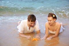 romantyczna plażowa para Obrazy Stock