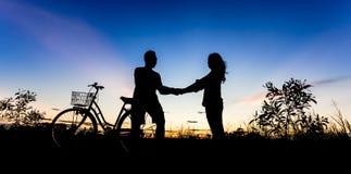 Romantyczna scena miłość obrazy royalty free