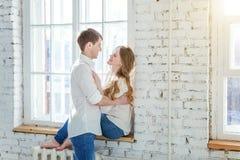 Romantyczna seksowna para w miłości ma ładnego czas wpólnie zdjęcia royalty free