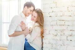 Romantyczna seksowna para w miłości ma ładnego czas wpólnie zdjęcia stock