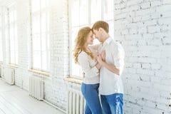 Romantyczna seksowna para w miłości ma ładnego czas wpólnie obrazy royalty free