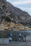 Romantyczna zatoka jeziorny garda w Limone, Lombardy, Włochy Obraz Stock