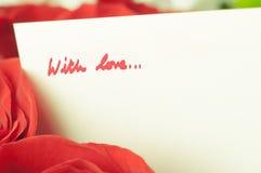Romantyczne róże Z wiadomością miłość Zdjęcie Stock