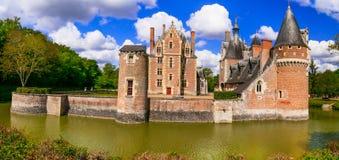 Romantyczni piękni kasztele Loire dolina - górska chata Du Moulin Fotografia Royalty Free