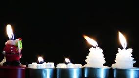 Romantyczny i emocjonalny dekoracyjny niespodzianki świeczki światło zbiory wideo