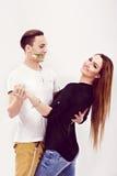 Romantyczny para taniec towarzyski z mężczyzna ono uśmiecha się szeroko Zdjęcia Stock