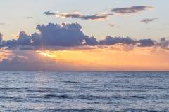 Romantyczny zmierzch na morzu w Portugalia Obrazy Royalty Free