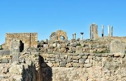 Romaren fördärvar, den forntida romerska staden av Volubilis morocco Royaltyfri Bild