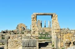Romaren fördärvar, den forntida romerska staden av Volubilis morocco Fotografering för Bildbyråer