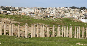 Romaren fördärvar i den jordanska staden av Jerash, Jordanien Royaltyfri Foto