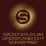 Romber mönstrade guldbokstäver och nummer med monogrammet Arkivfoton