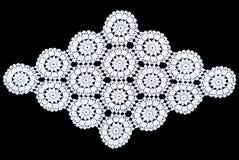 Romboidu koronkowy tablecloth odizolowywający na czarnym tle, okręgu wzór Zdjęcia Royalty Free