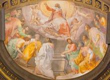 Rome - antagandet av den jungfruliga Mary freskomålningen i kyrklig Santa Maria dellAnima av Francesco Salviati från 16 cent Royaltyfri Foto