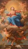 Rome - antagandet av den jungfruliga Mary målningen i den kyrkliga Chiesa dellaSantissima Trinita deglien Spanoli Arkivbild