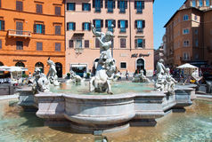 ROME-AUGUST 8 :海王星喷泉8月8,2013的在罗马,意大利。海王星喷泉是一个喷泉在罗马,意大利,被找出 库存图片