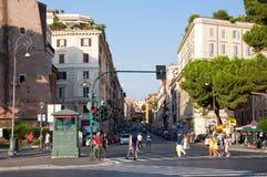 ROME-AUGUST 8 :通过8月8,2013的Cavour在罗马,意大利。 免版税库存照片