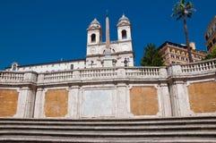 ROME-AUGUST 7: Hiszpańscy kroki, widzieć od piazza Di Spagna na Sierpień 7, 2013 w Rzym, Włochy. Obraz Royalty Free