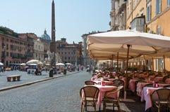 ROME-AUGUST 8: Restaurang på piazza Navona på Augusti 8, 2013 i Rome. Royaltyfri Bild