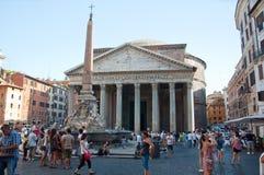 6 Rome-AUGUSTUS: Het Pantheon op 6 Augustus, 2013 in Rome, Italië. Stock Fotografie