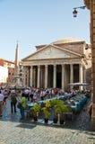 6 Rome-AUGUSTUS: Het Pantheon op 6 Augustus, 2013 in Rome, Italië. Stock Foto