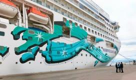 Rome Civitavecchia, Italien - Maj 03, 2014: Den norska jadet för kryssningskepp vid NCL Arkivfoto