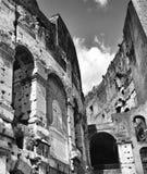 Rome Coliseum i svartvitt arkivfoto