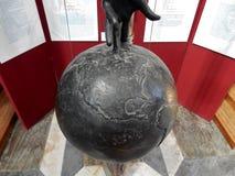 Rome - detalj av klockpendeln av Galilei Arkivbilder