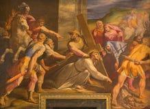 Rome - detalj av målarfärgKristusnedgångar under korset i kyrkliga Chiesa del Jesu av Gaspare Celio (1571 - 1640) i kyrkliga Chie Royaltyfria Foton