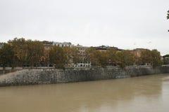 Rome dichtbij Castel ST Angelo Tiber Royalty-vrije Stock Afbeeldingen