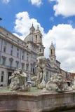 rome Een fontein van Moor op het vierkant van Navon stock foto's