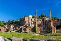 Rome: Fördärvar av forumet, Italien Arkivbild