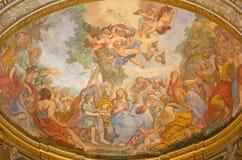 Rome - fresko van het Mirakel van Vermenigvuldiging op de belangrijkste apsis van kerk Basilica Di Sant' Andrea delle Fratte Stock Fotografie