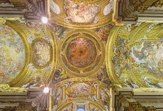 Rome - freskomålningen på tak och kupolen av kyrkliga Chiesa del Jesu av Giovani Battista Gaulli Arkivbilder
