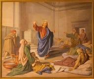 Rome - freskomålningKristus på läka i sidokapell av kyrkliga Basilika di Sant Andrea della Valle av unkownkonstnären av 19 cent Royaltyfri Foto