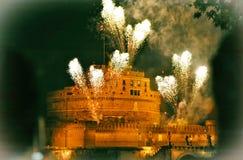 Rome fyrverkerier vid ängelcastel Arkivfoton